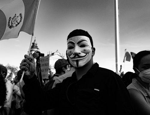 Kako varno protestirati v informacijski družbi